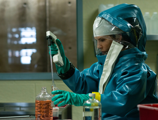 Panic ensues when Dr. Nancy Jaax (Julianna Margulies) discovers Ebola in her D.C.-area pathology lab.