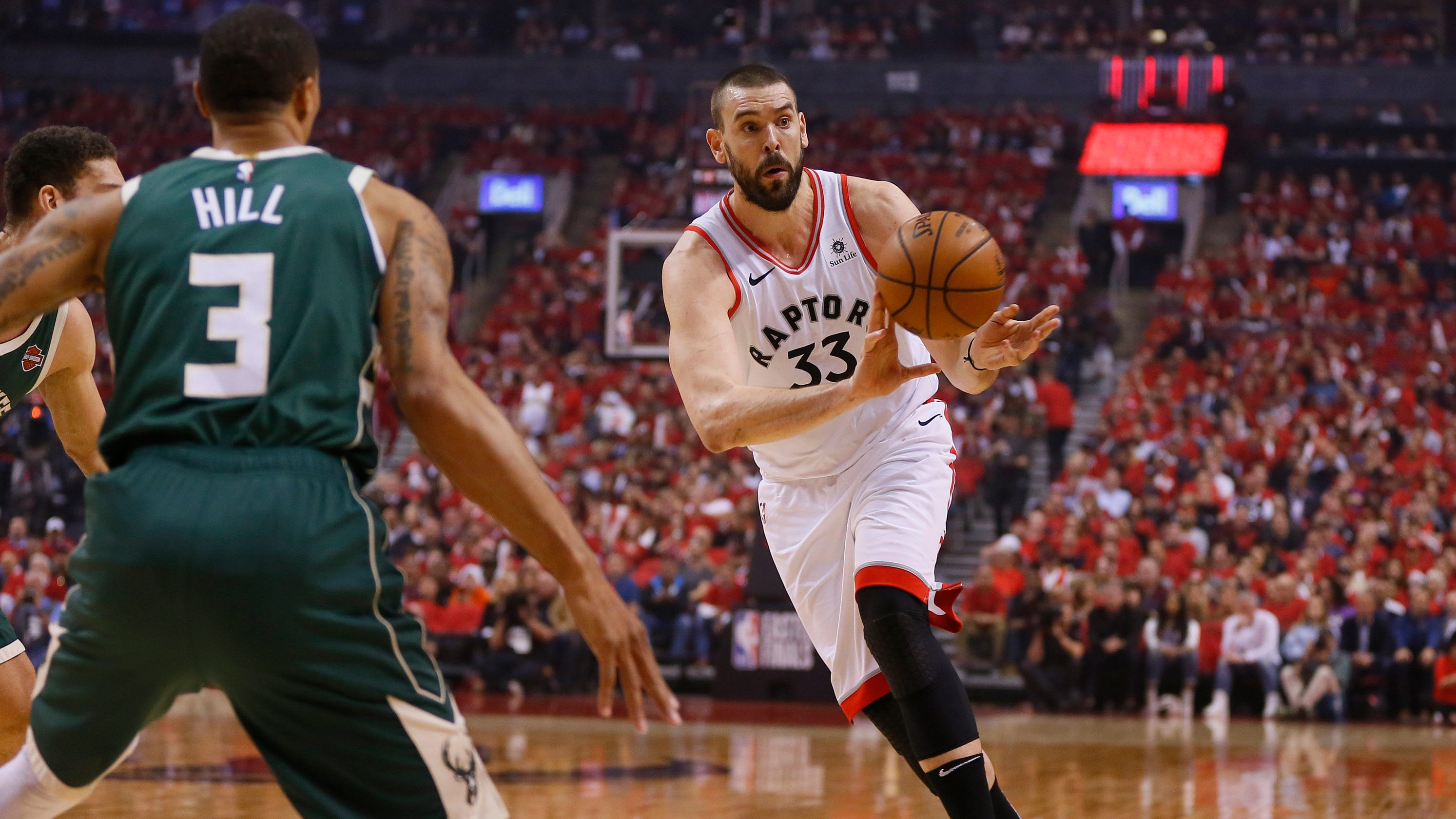 d591be75218 Marc Gasol's turnaround helps Toronto rebound, roll back to Milwaukee with  series tied