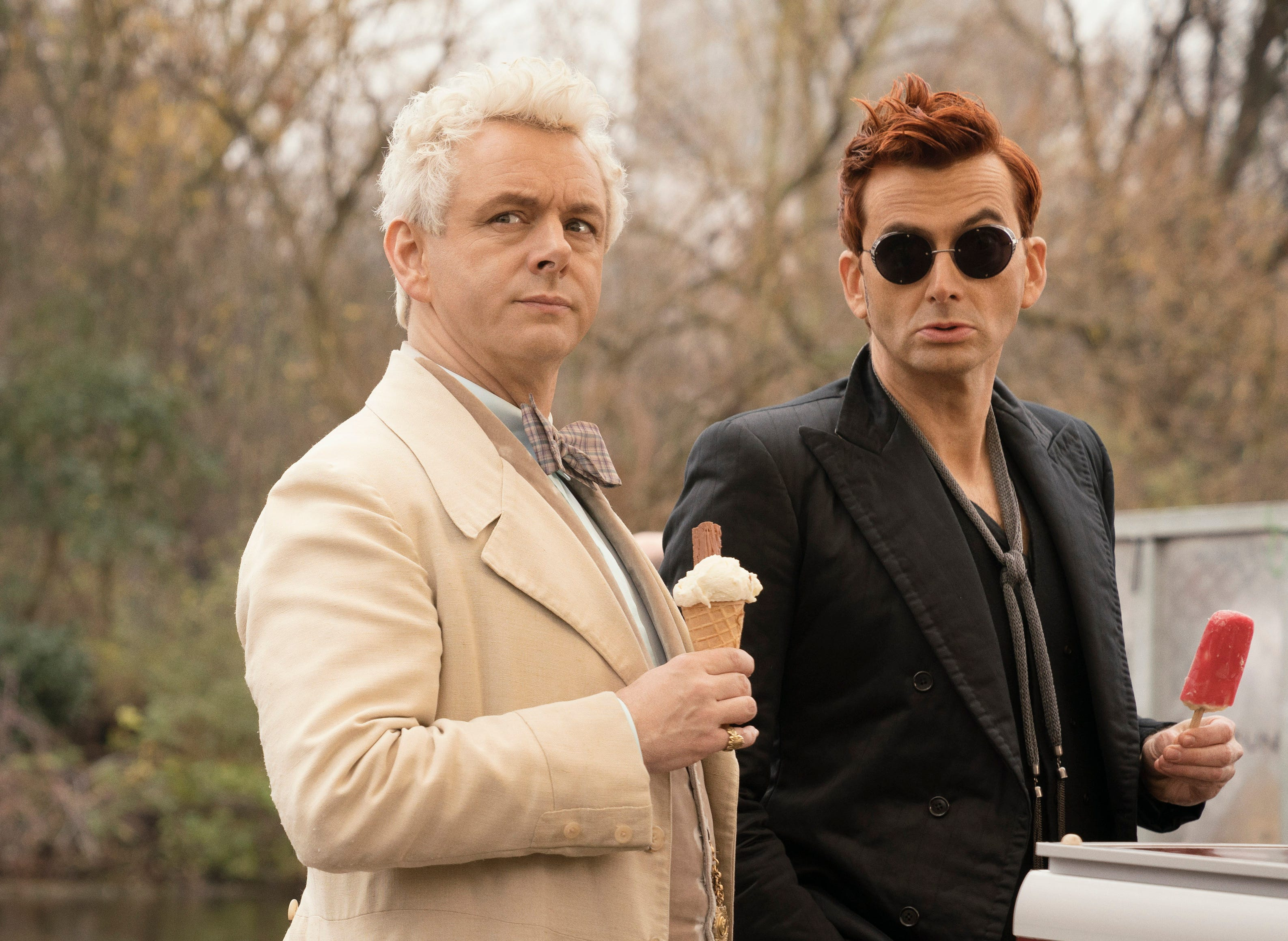 """Martin Sheen stars as the angel Aziraphale and David Tennant as the demon Crowley in """"Good Omens."""" (Photo: CHRIS RAPHAEL/AMAZON)"""