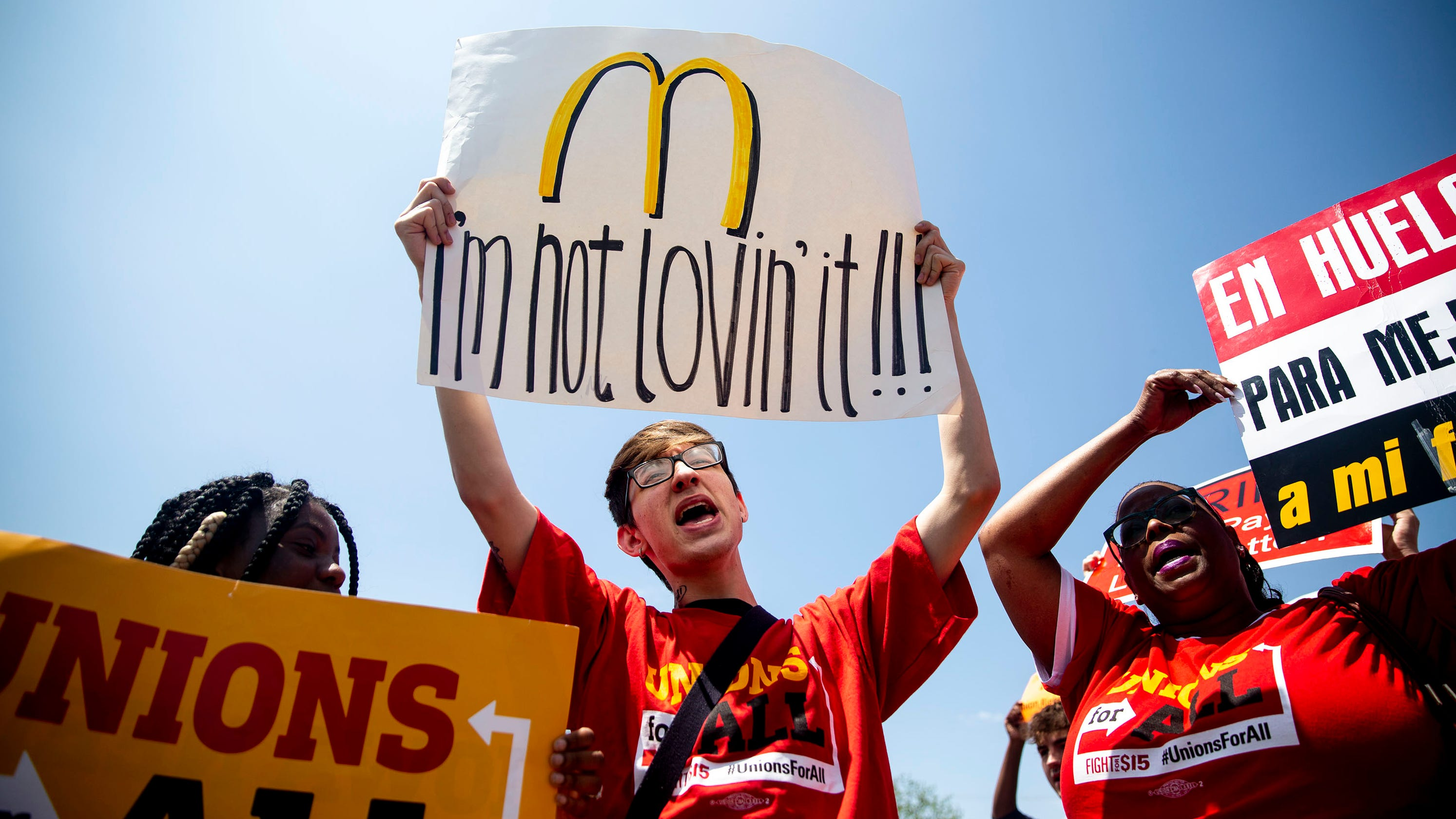 Mcdonalds New Uniform 2020 Fight for $15: 2020 candidates slam McDonald's over workers pay