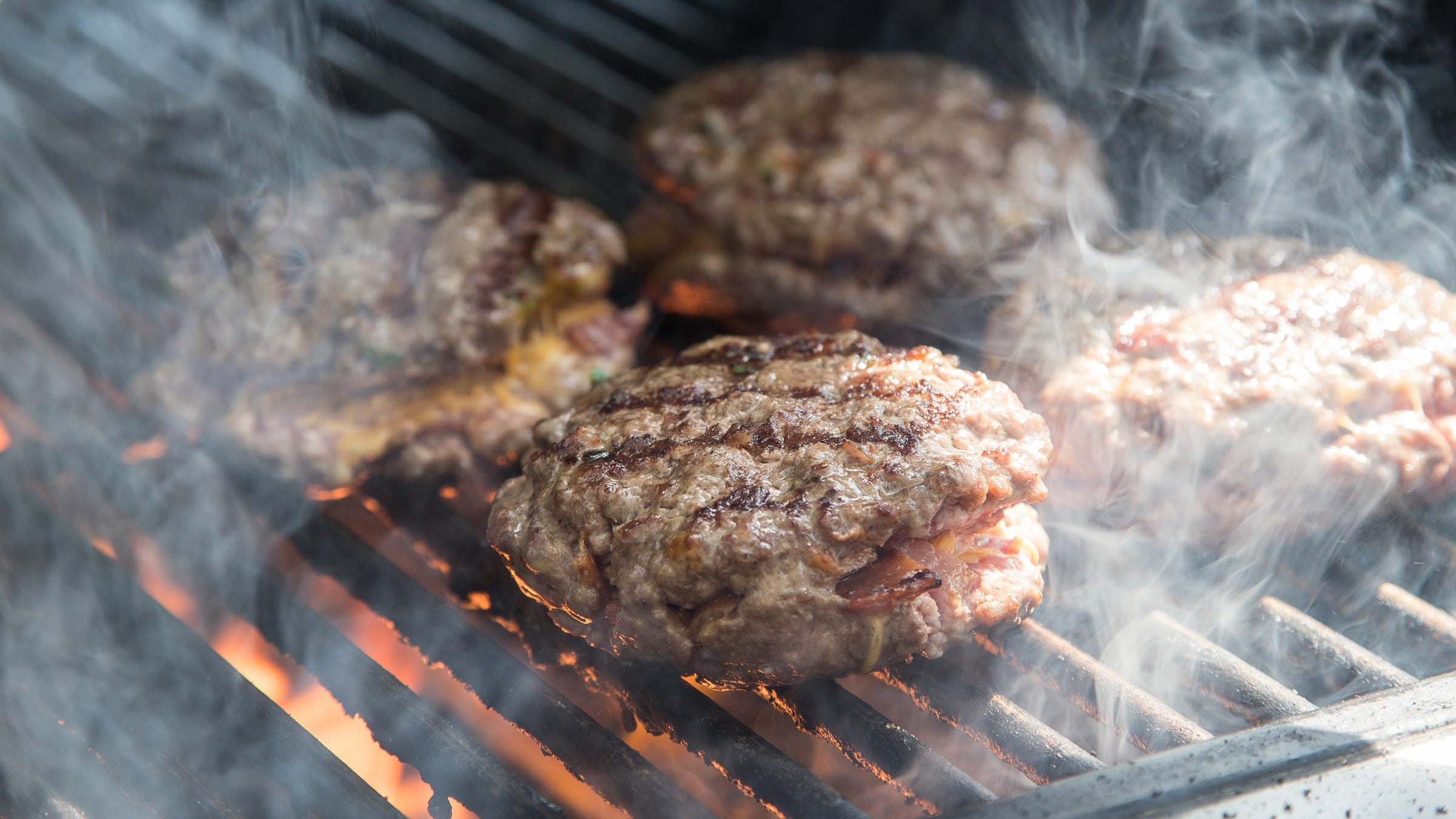 How to grill the perfect burger: What meat experts, chefs say