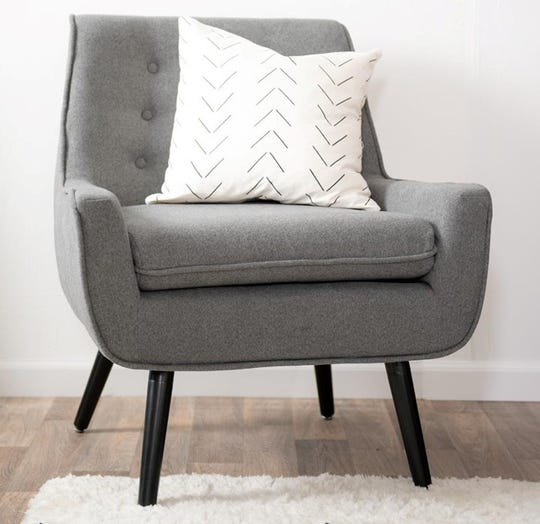 Connecticut-based Bob's Discount Furniture is opening four locations  in Metro Detroit this weekend.
