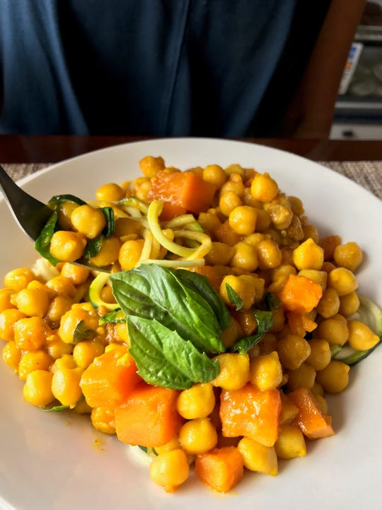 Sun Belly specializes in wholesome, plant-based foods, with entrees ranging from curries to soups and hearty salads.