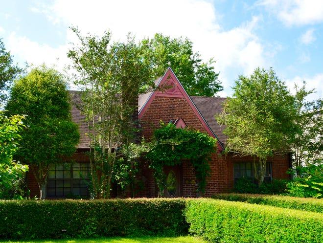 Cottage House in New Iberia hosting lavish French Brunch
