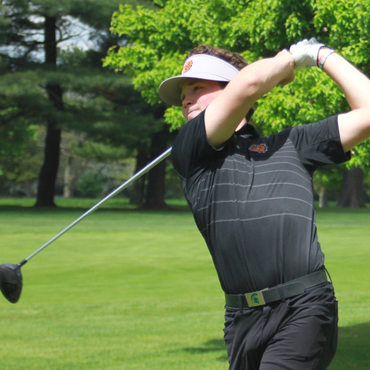 Rust from basketball shaken off, Howell's Samples shoots 75 in KLAA golf tournament