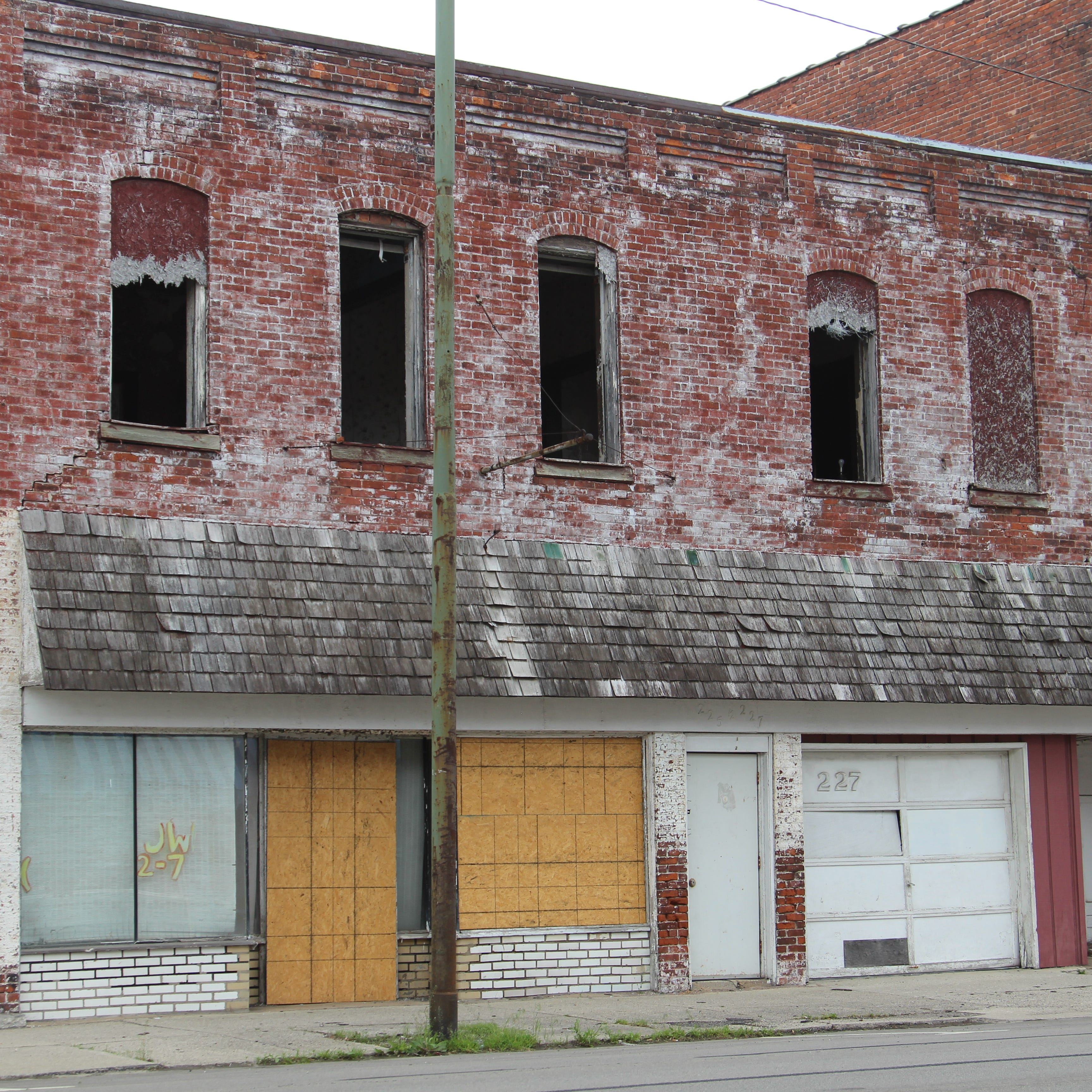 Marion plans to raze decaying North Main Street building with grant