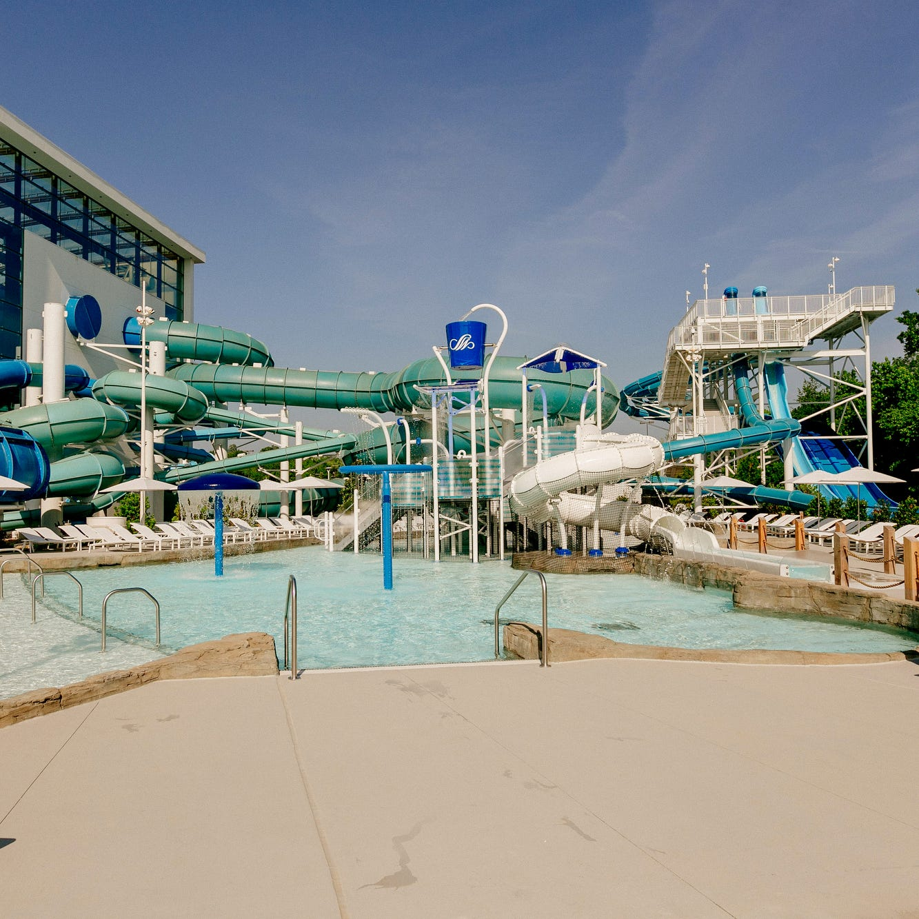 How locals can get into Opryland's new SoundWaves water park