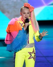 JoJo Siwa will bring her DREAMtour to Las Cruces with a performance Saturday.