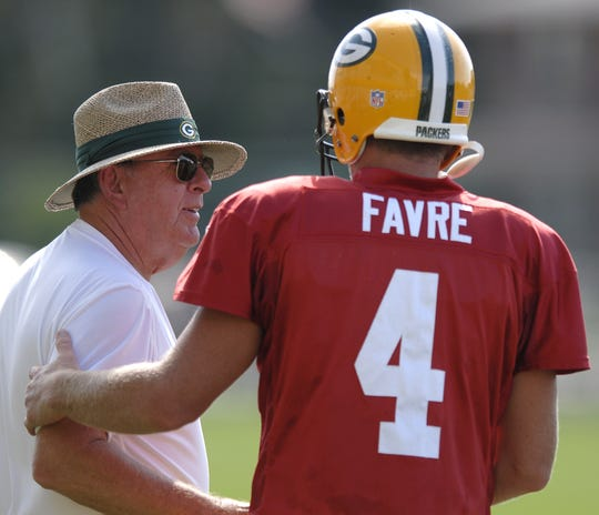 Former Green Bay Packers general manager Ron Wolf with former quarterback Brett Favre in 2006.