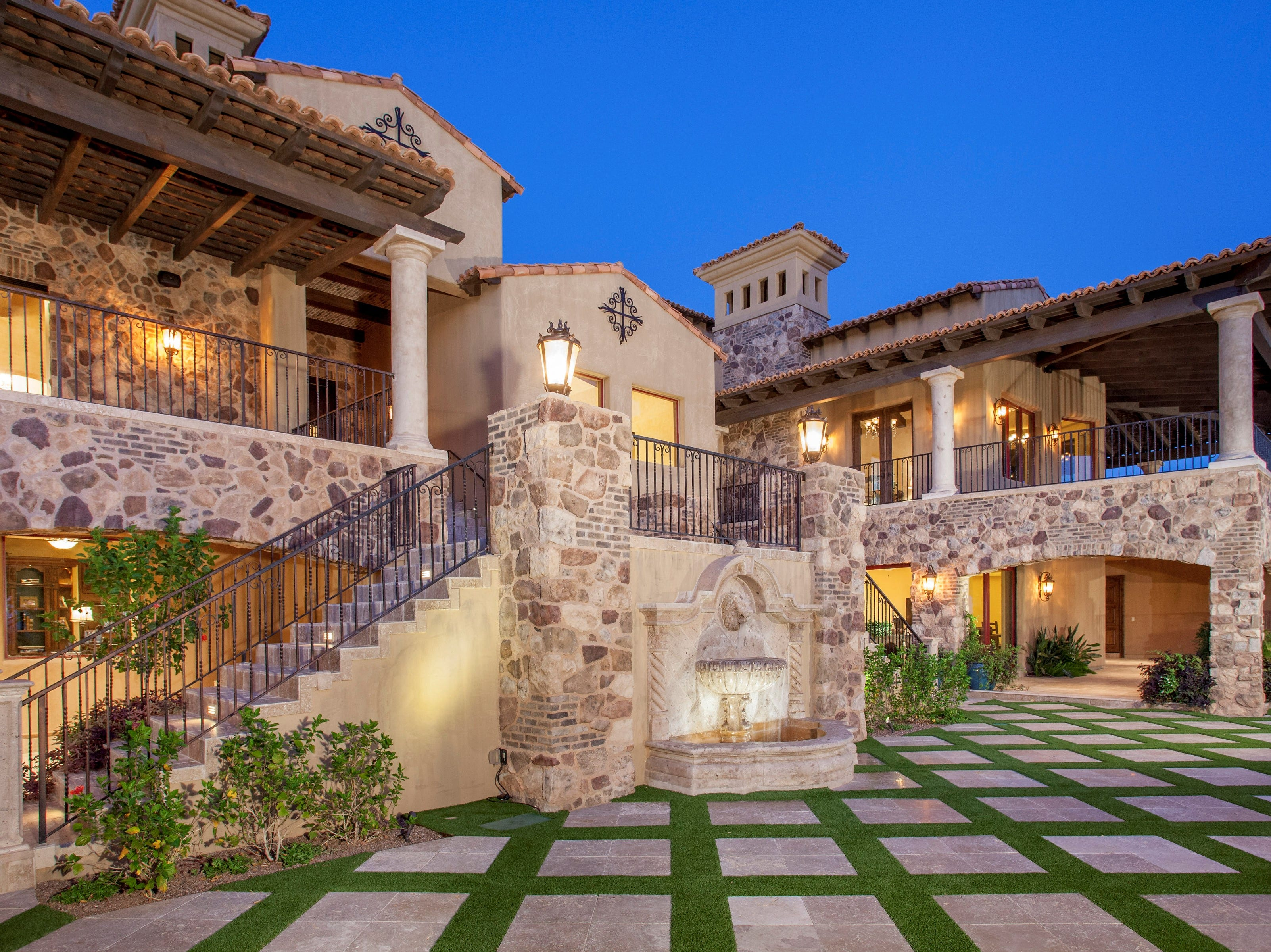 Mojy and Deborah Chian purchased this Fountain Hills mansion with a private courtyard for $3.4M.