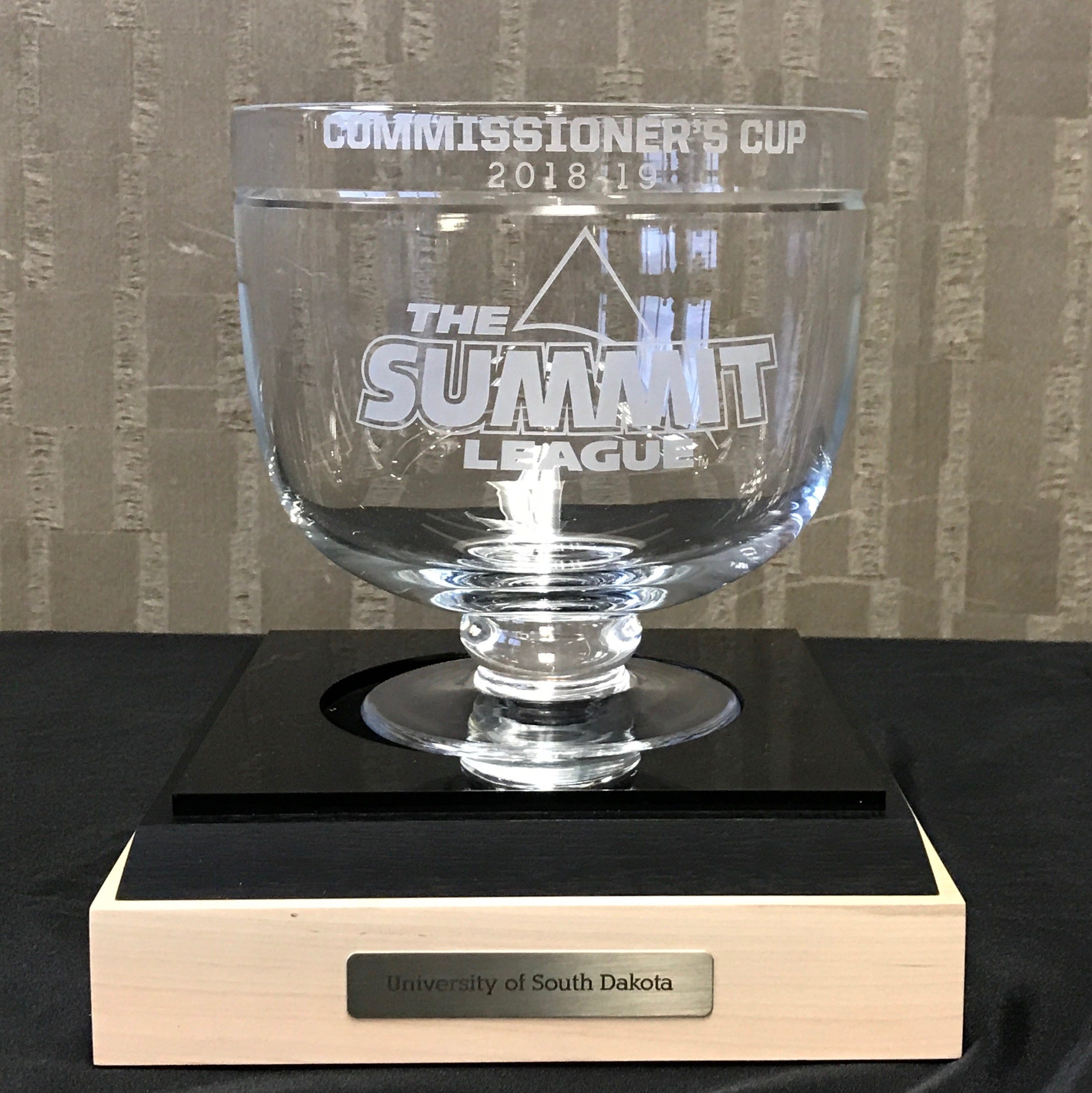 South Dakota Coyotes win Summit League Commissioner's Cup for first time