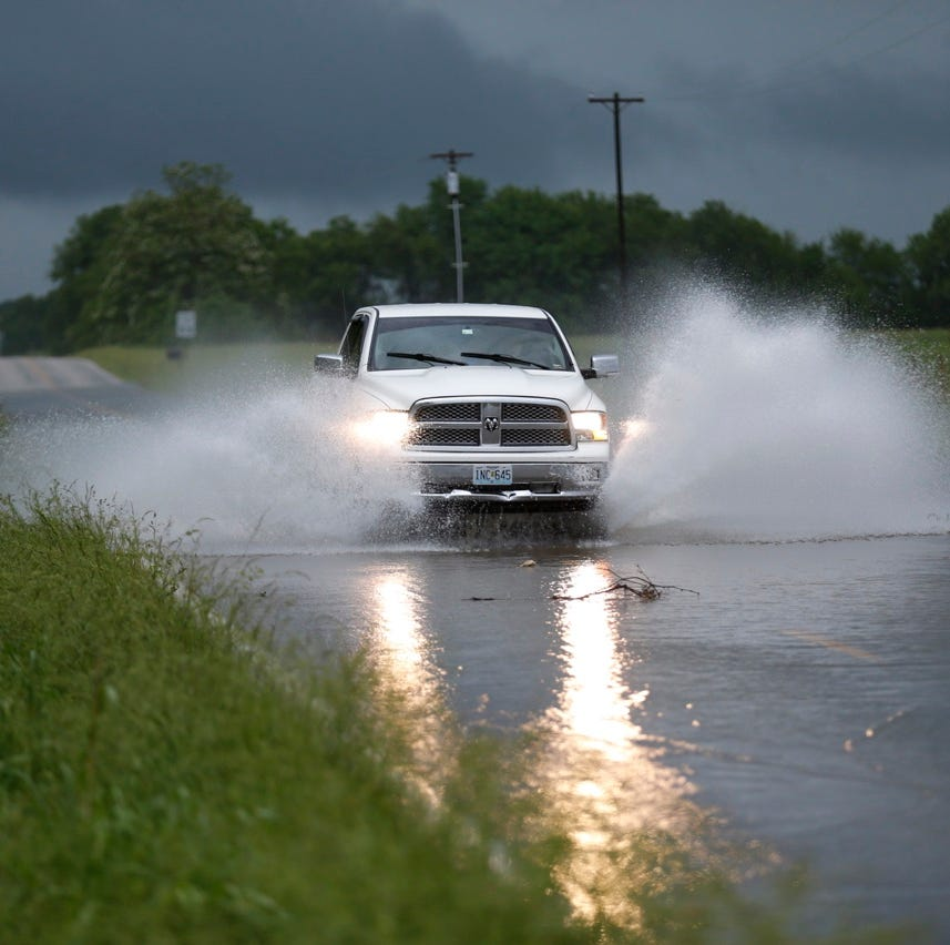 See which roads are closed near tornado-damaged Jefferson City as Missouri River levels rise