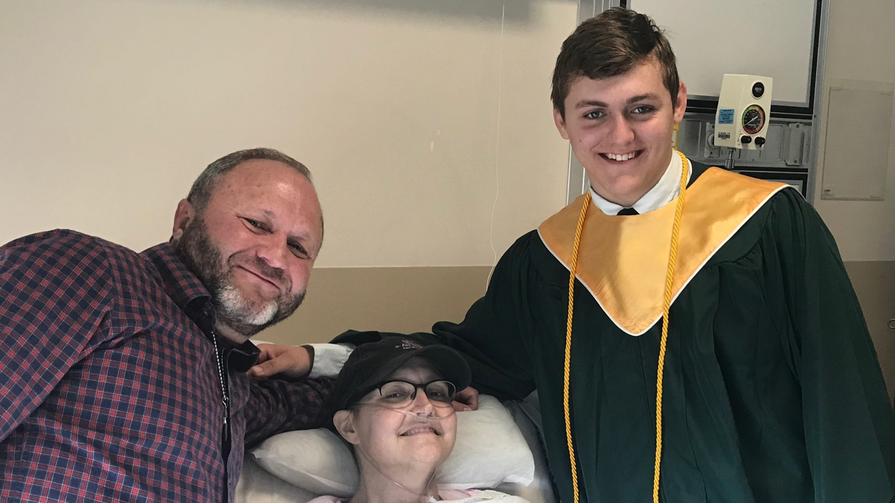 Principal, school superintendent bring student's graduation to dying mom's hospital room