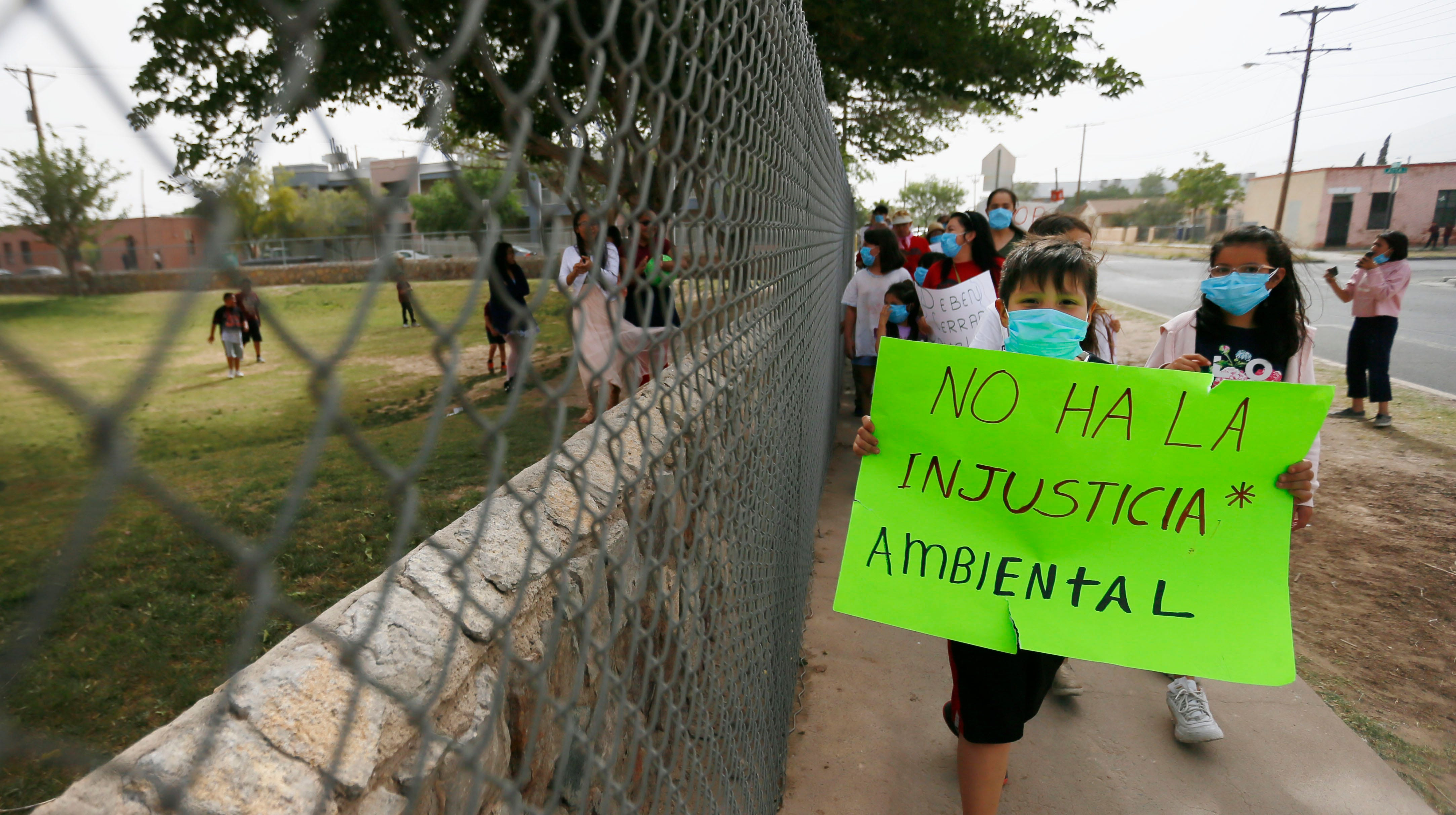 Beall, Burleson parents and students march to Zavala in protest of closures