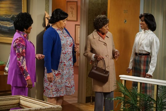 "Wanda Sykes, left, Jackee Harry, ""Jeffersons"" original cast member Marla Gibbs and Kerry Washington all appear in ABC's ""Live in Front of a Studio Audience: Norman Lear's 'All in the Family' and 'The Jeffersons.'"