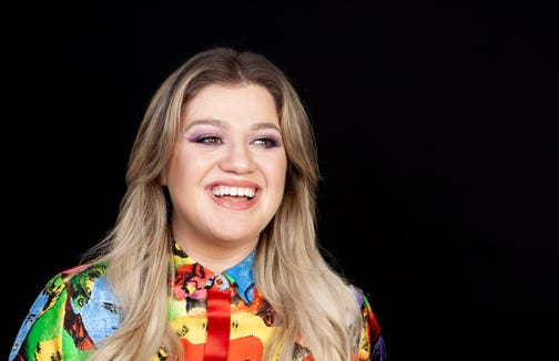 Kelly Clarkson shared that her daughter wants to sing like her.