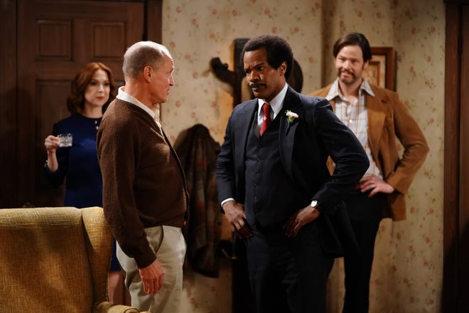 Archie Bunker (Woody Harrelson, left) and George Jefferson (Jamie Foxx) face off, as Archie's daughter Gloria (Ellie Kemper) and son-in-law Michael (Ike Barinholtz) watch in ABC's 'Live in Front of a Studio Audience: Norman Lear's 'All in the Family' and 'The Jeffersons.'