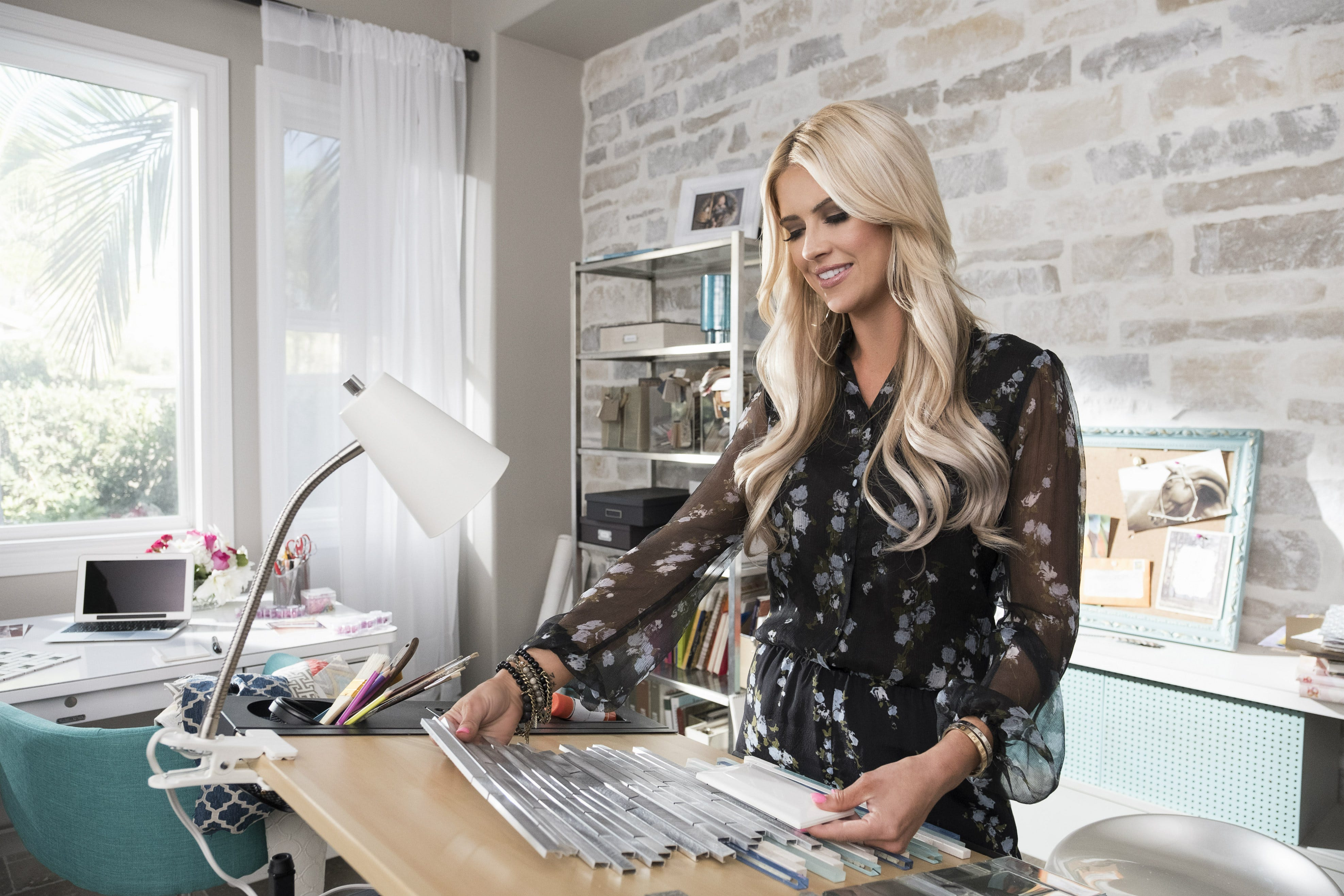 Christina Anstead Hgtv Star Talks Pregnancy Ex Tarek El Moussa,Curb Appeal Ranch Home Exterior Remodel Before And After