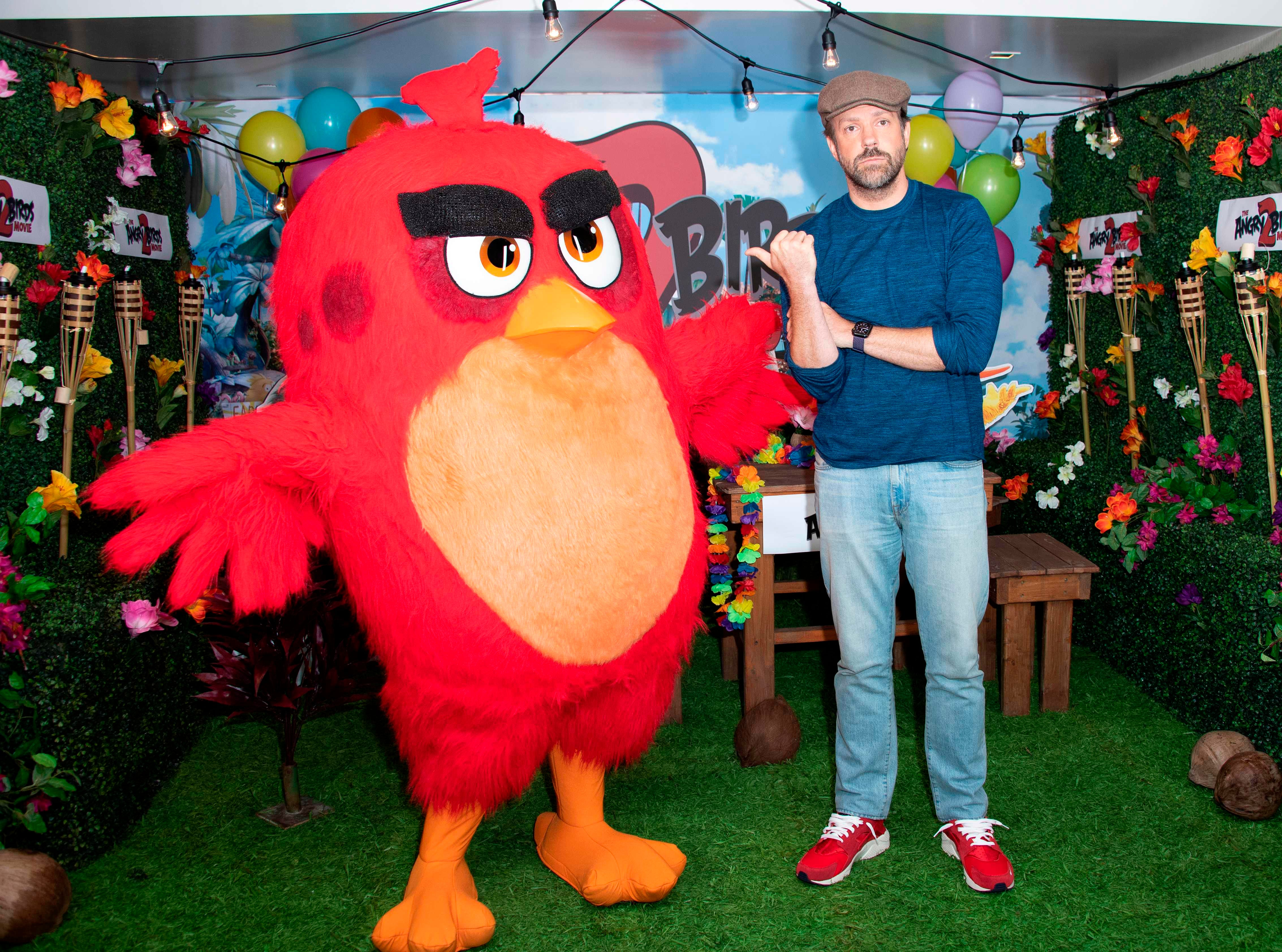 """Actor Jason Sudeikis poses during the photocall for """"Angry Birds 2"""" at the London Hotel in West Hollywood, Calif. on May 22, 2019."""