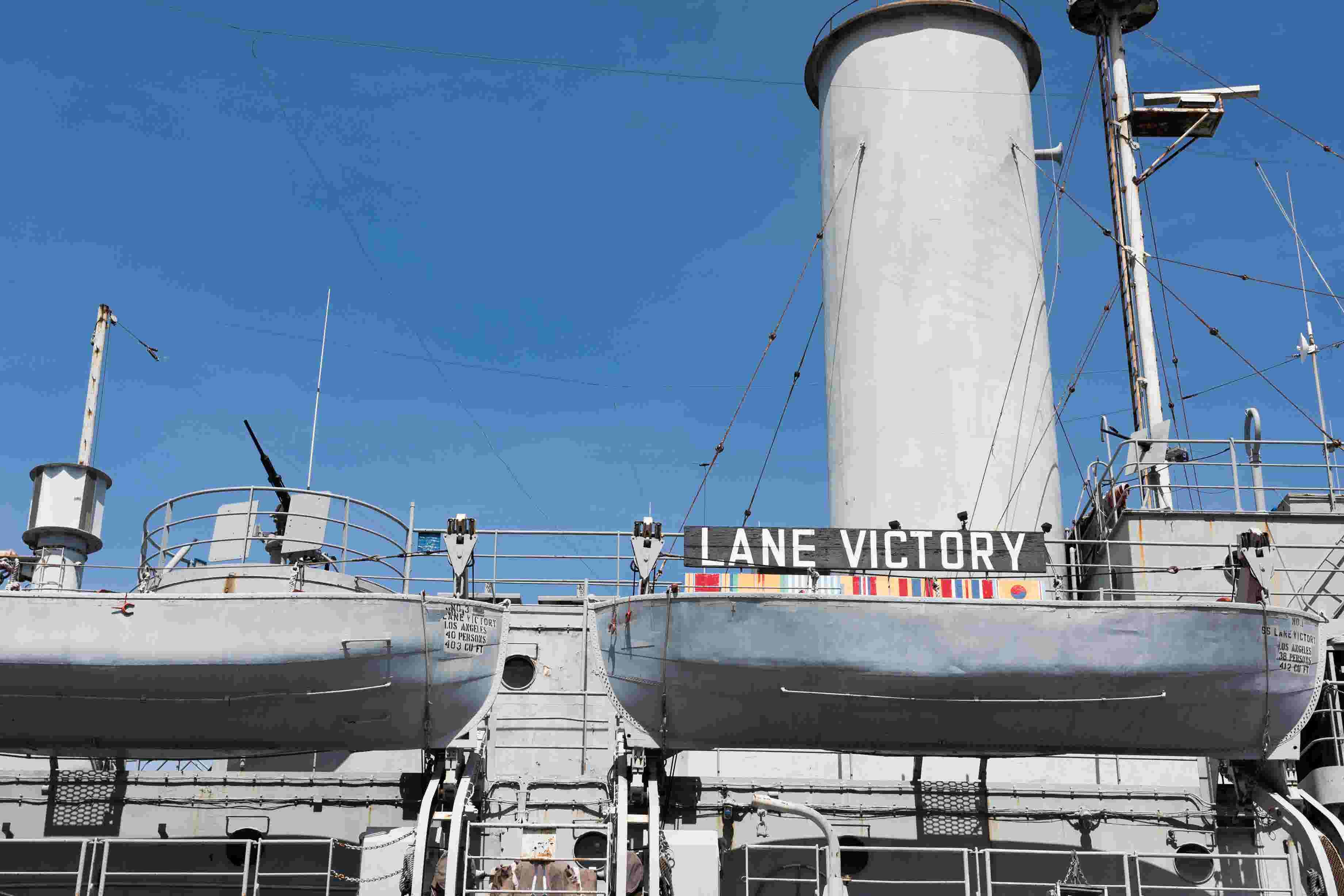 Aging WWII ship fights new battle, rust