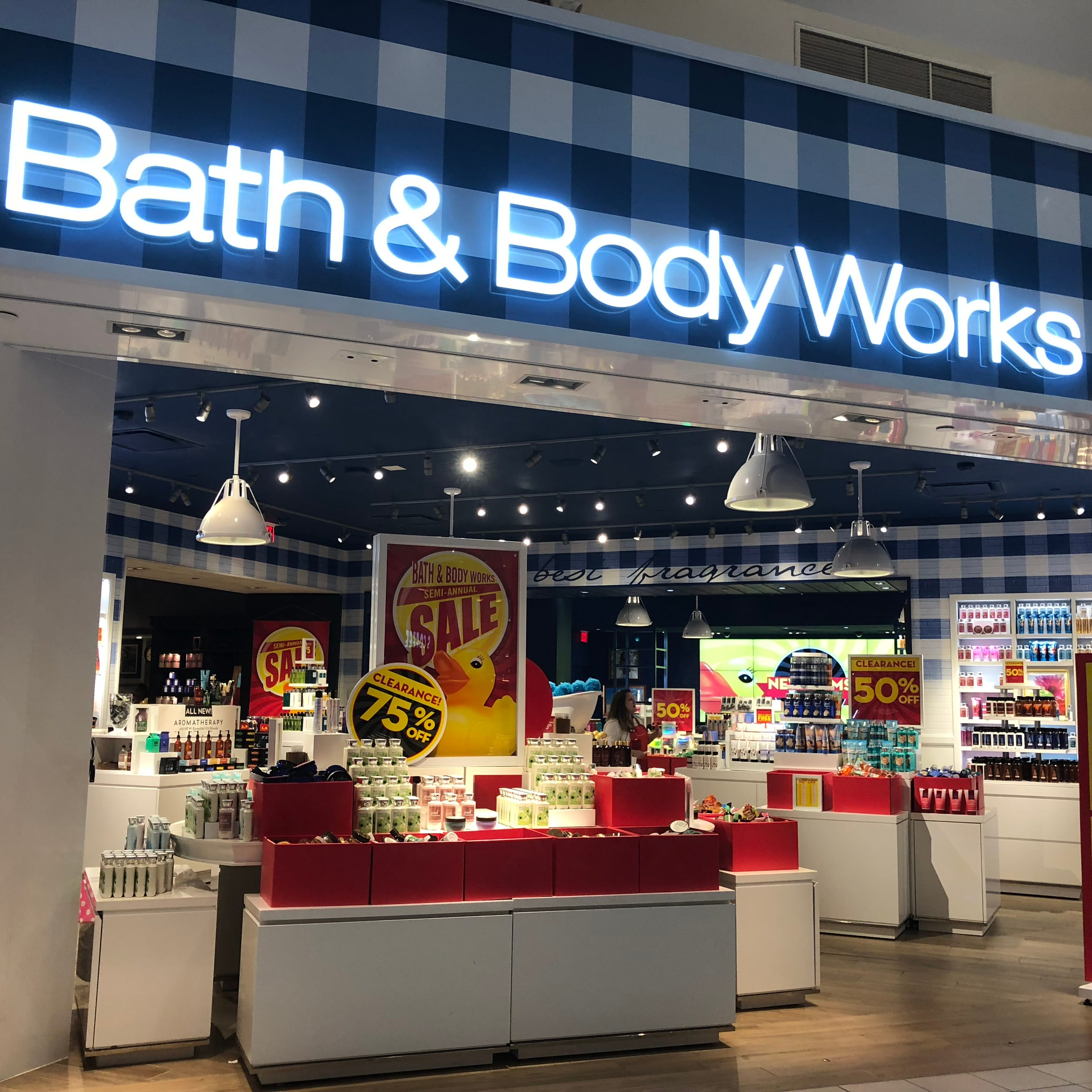 Bath & Body Works is opening and closing stores in 2019.