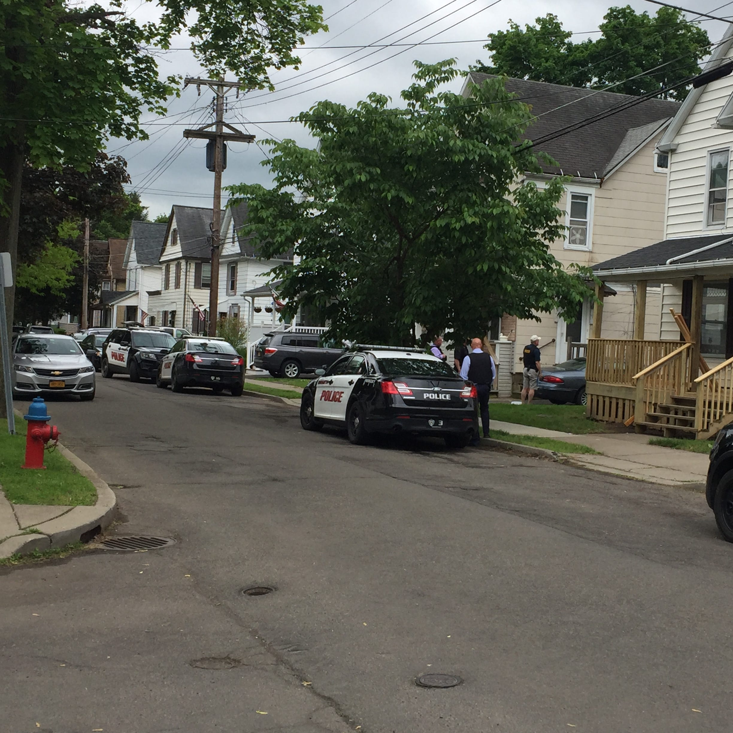 Binghamton police swarm Cleveland Avenue after domestic dispute, parolee with gun arrested