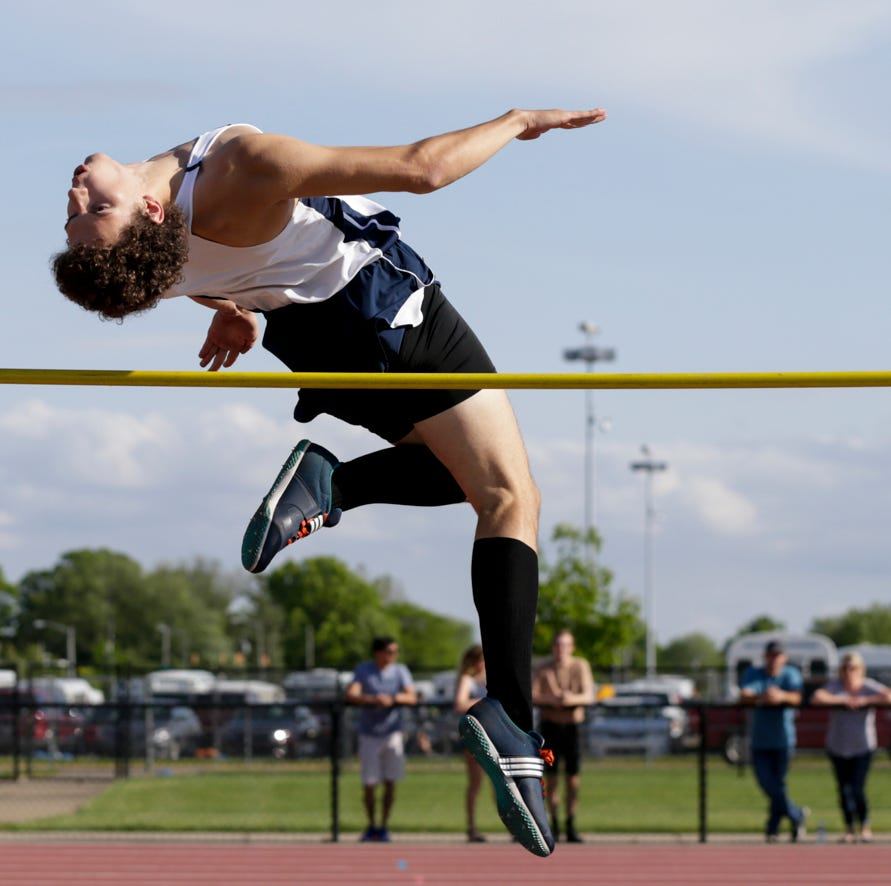 Harrison boys track surpasses goal at Lafayette Regional