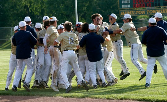 The Lancaster baseball team won back-to-back Division I Central District championships with a 1-0 win over Hilliard Bradley at Hamilton Township. The Golden Gales finishes the regular-season ranked No. 3 in the state and ended with a 25-4 overall record.