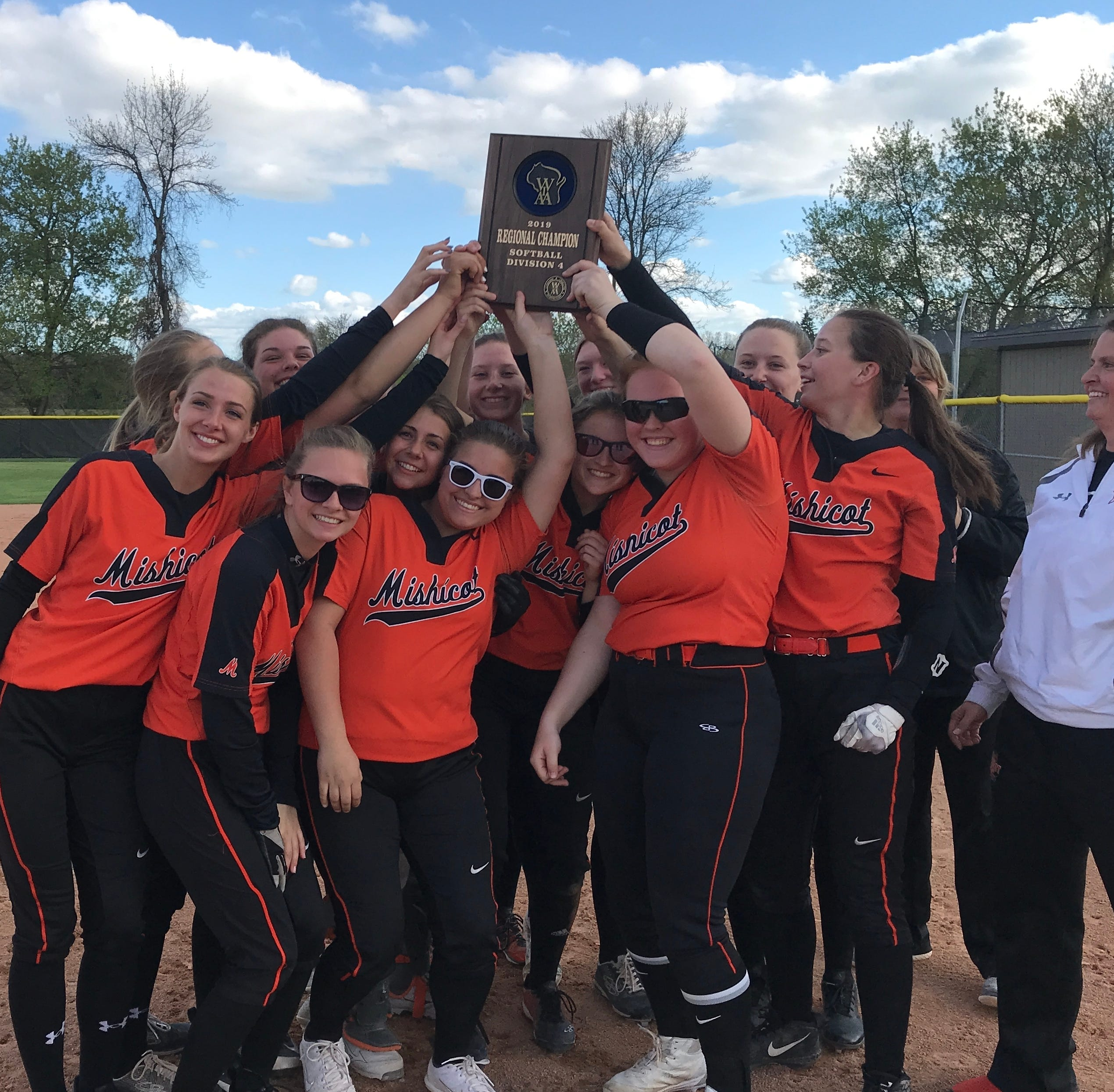 Mishicot softball takes regional crown; Dawidowich, Schreurs, McFadden win two sectional titles