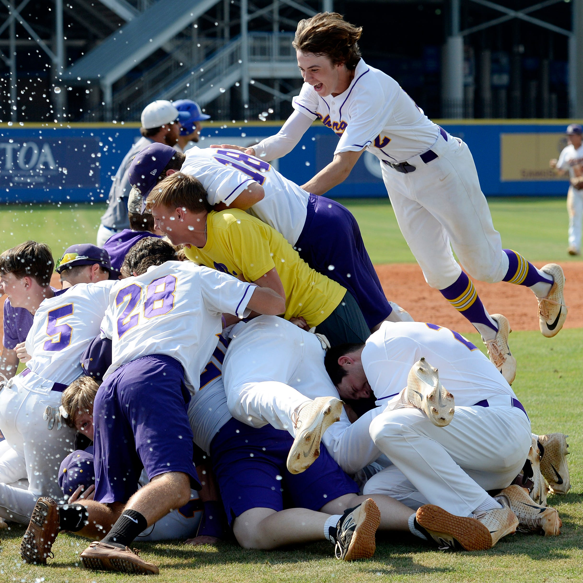 Covington baseball ends emotional season with state title win for coach Brad Warmath
