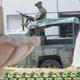 Militares mexicanos recorren las calles en Guerrero, México.