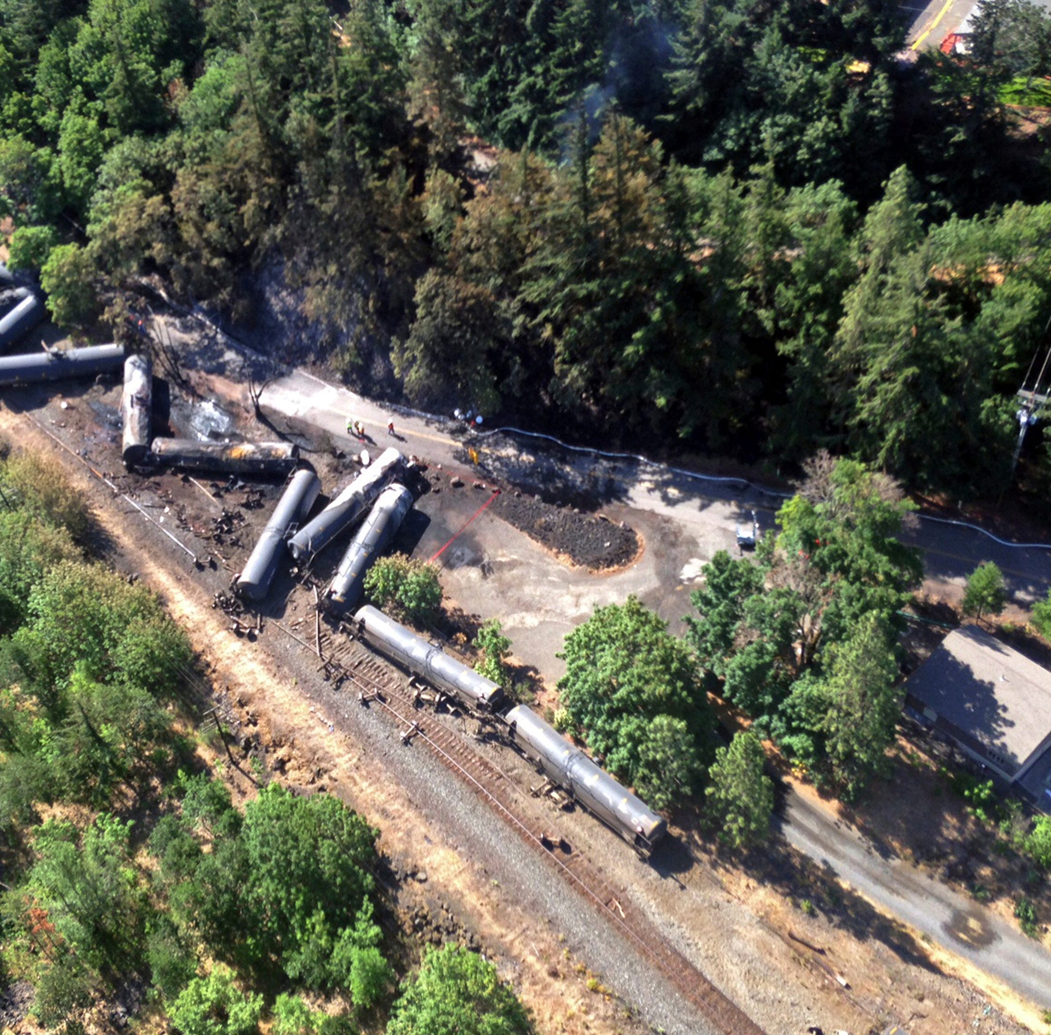 Feds withdraw proposal for 2-person train crews that came after explosions