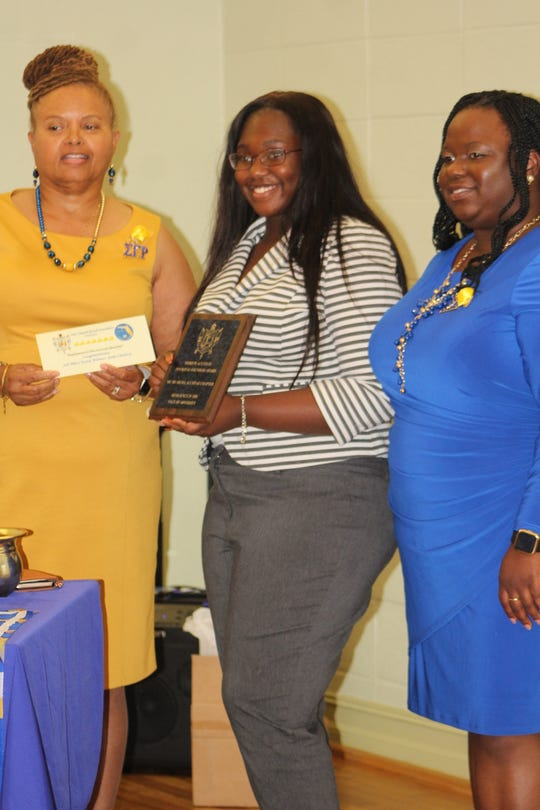 The chapter honored three graduating seniors from Gadsden and Leon county public high schools with scholarships for their winning essays.