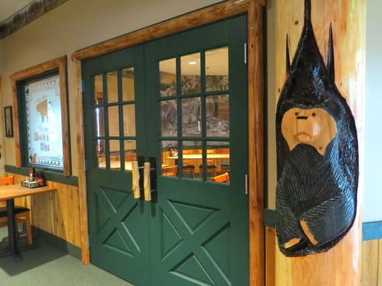 Black Bear Diner in Simi Valley includes a private meeting room with seating for 30 people.