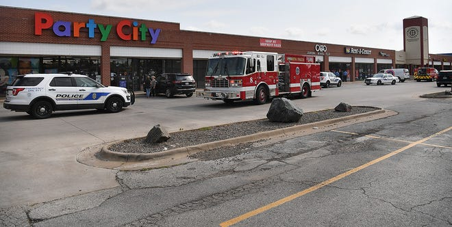 Wichita Falls Police and Fire departments worked together to evacuate several stores in the Crossroads Center shopping center after a significant natural gas leak was discovered in the area.