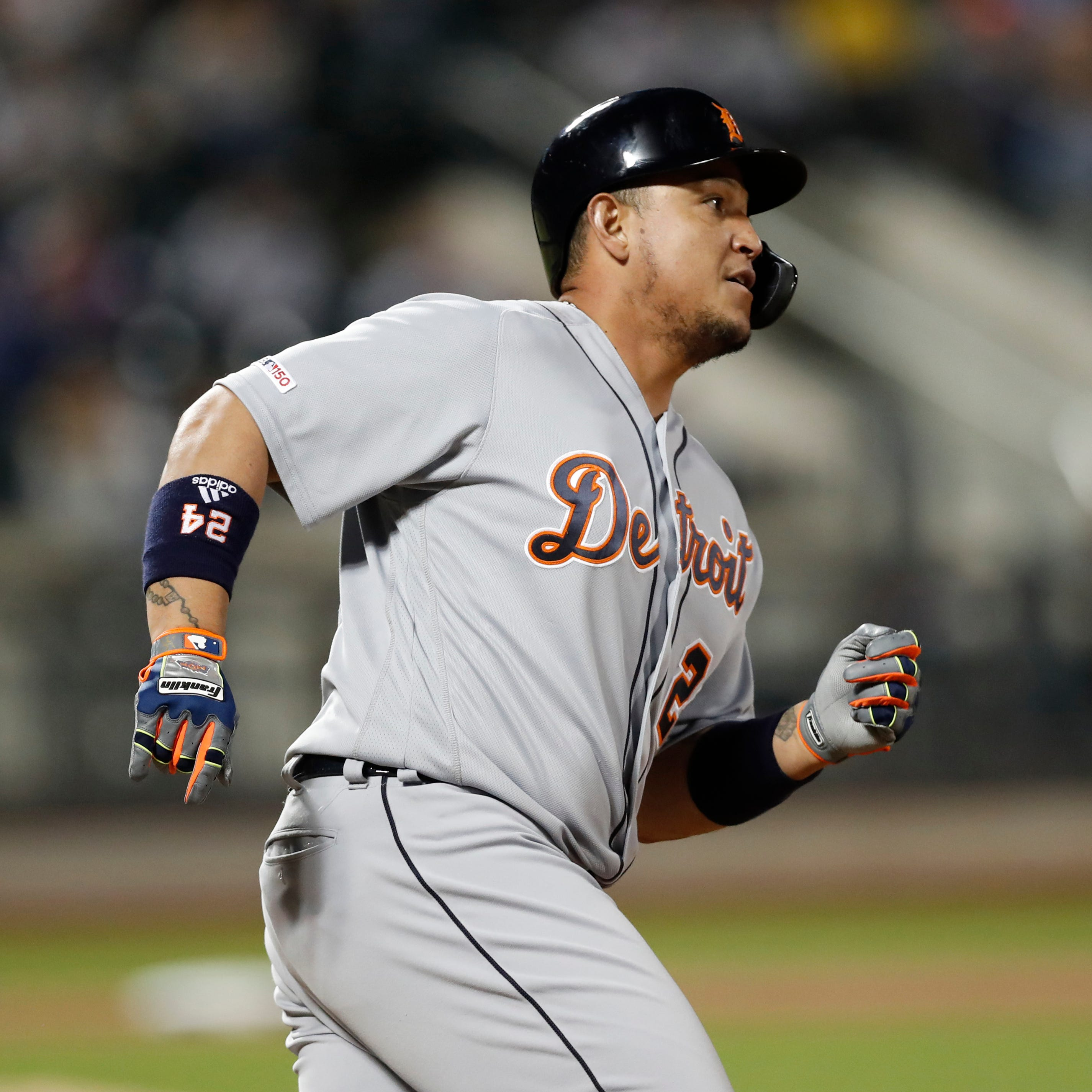 Tigers end long losing streak with 9-8 victory over Mets