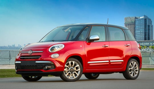 The 2019 Fiat 500L offers 42 percent extra interior space.