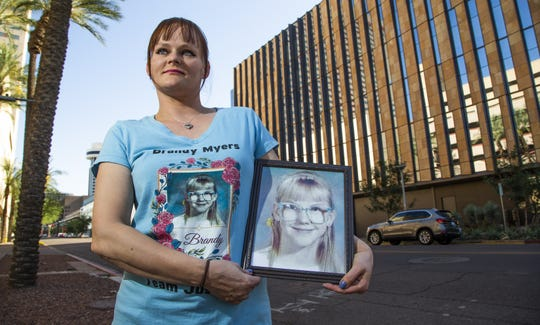 d583299a0 Sisters of missing Arizona children find friendship, fight for justice
