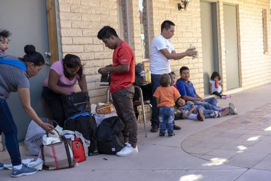 Migrants and their families at Iglesia Cristiana El Buen Pastor church in Mesa on May 24, 2019.