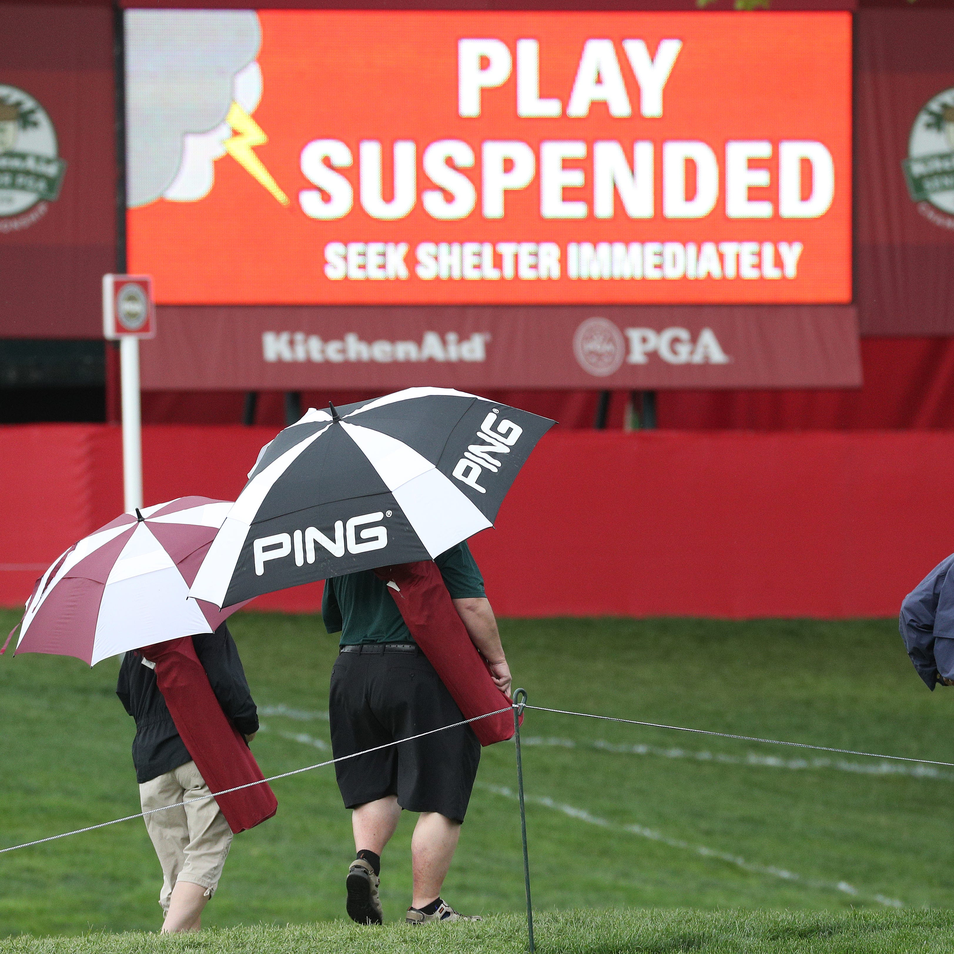 Senior PGA Championship Day 3: Play suspended at Oak Hill due to dangerous weather