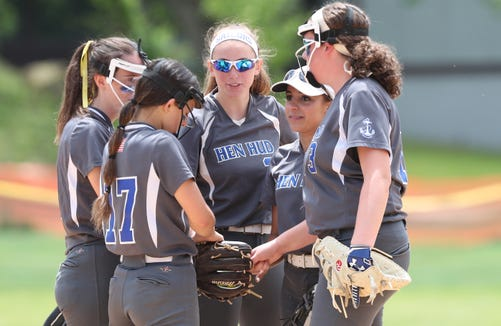 Walter Panas defeated Hen Hud 4-1 in  softball playoff action in Montrose May 25, 2019.