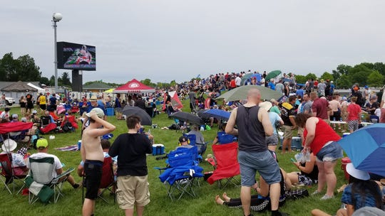 Indy 500 fans react to Kyle Kaiser's crash.