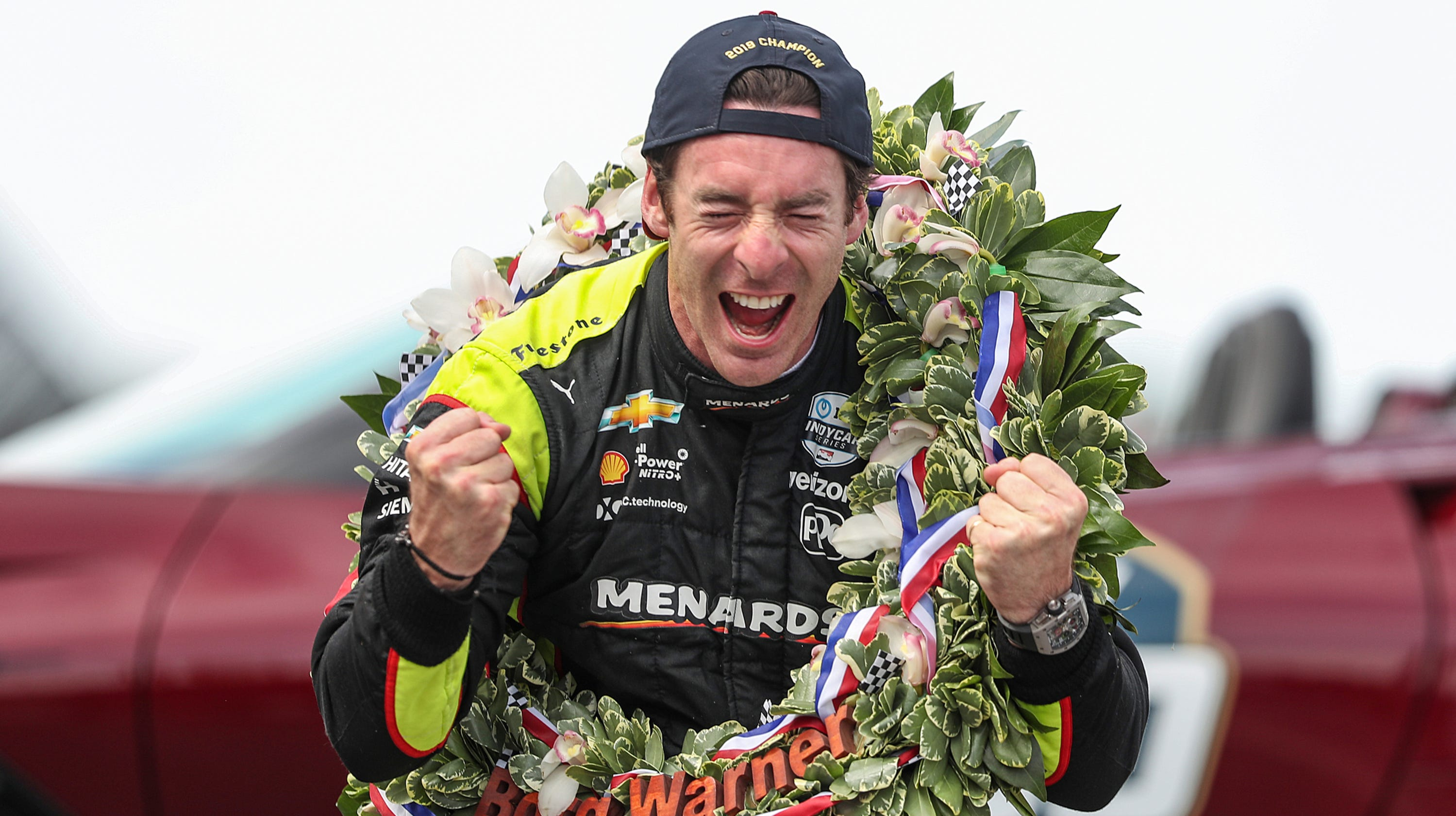 How Many Laps In Indy 500 >> Indy 500 Live Blog Updates Simon Pagenaud Edges Alexander Rossi