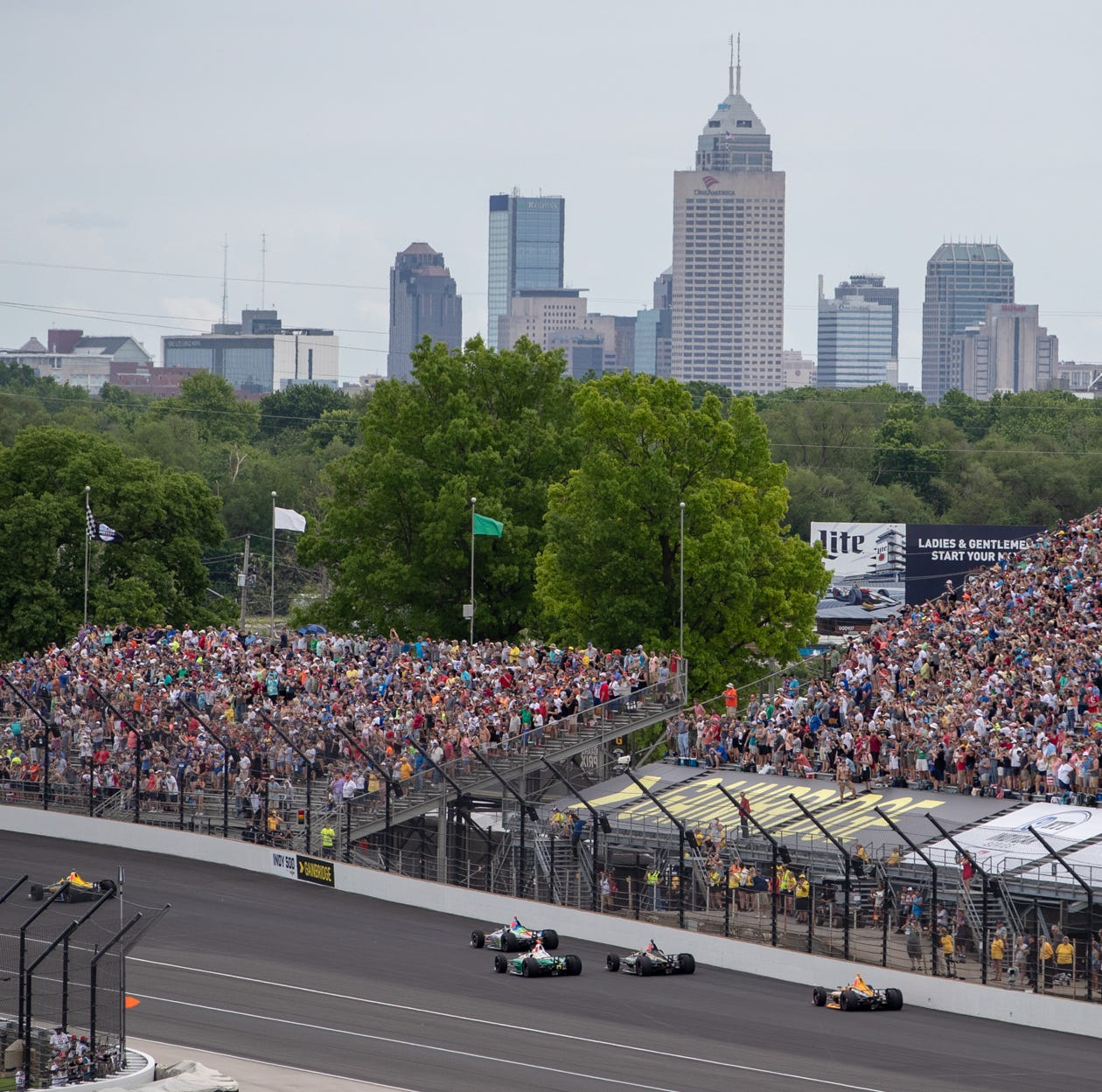 Indy 500 updates: Traffic, weather, the scene at IMS from Snake Pit to red carpet