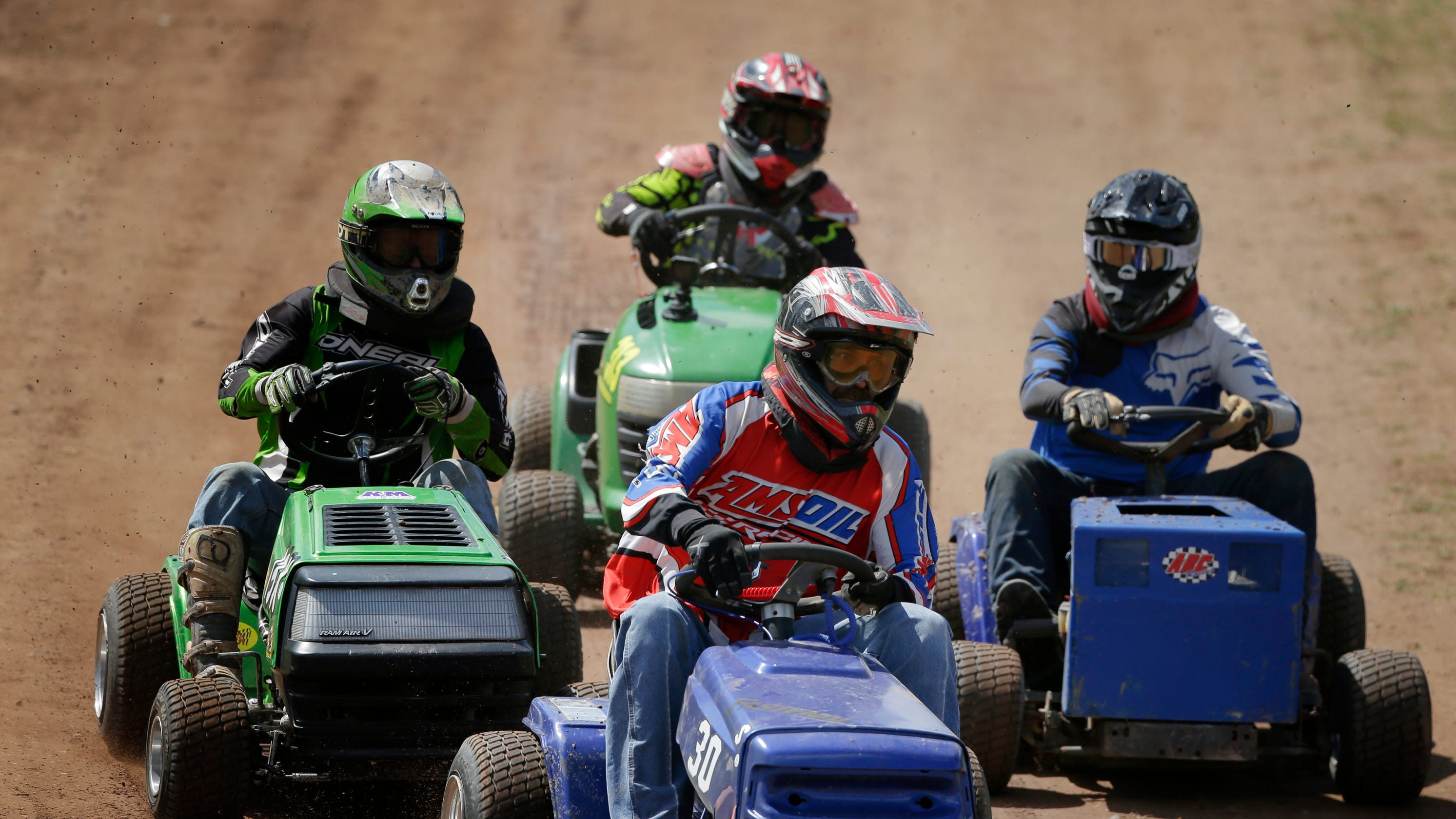 Wisconsin lawn mower racers compete for trophies, bragging rights