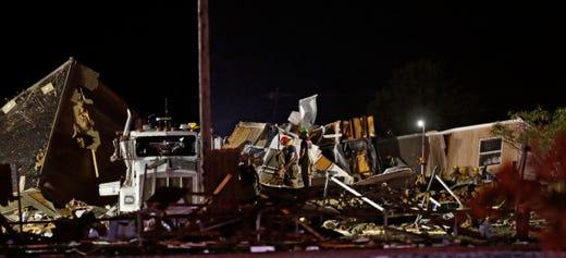 El Reno, Oklahoma tornado: 2 people dead, search underway