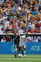 Kenti Robles, of Mexico and Crystal Dunn, of the U.S. battle for the ball, in Harrison. Sunday, May 26, 2019