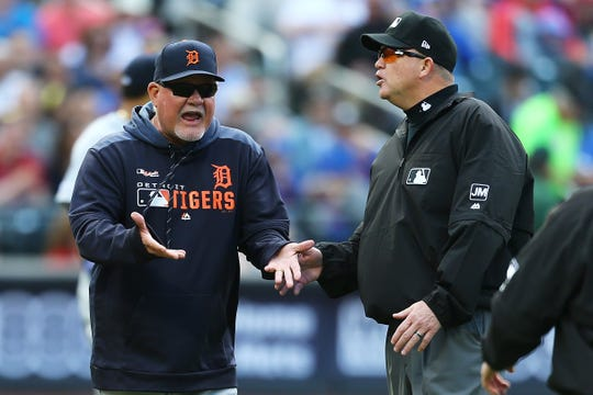 Ron Gardenhire discusses a call on Saturday at Citi Field.