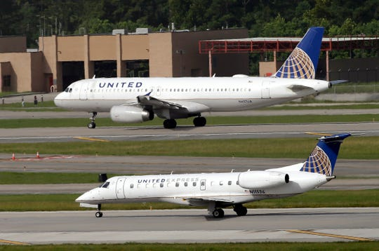 "United Airlines and United Express plan to take off at George Bush Intercontinental Airport in Houston. ""Width ="" 540 ""data-mycapture-src ="" ""data-mycapture-sm- src = """