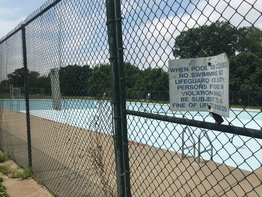 A dilapidated Algonquin swimming pool sits unused on Memorial Day 2019, after Mayor Greg Fischer shut down all but one public pool because of budget problems.